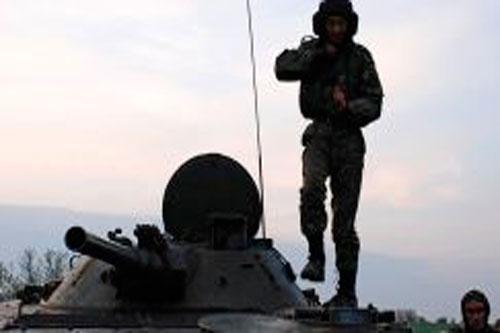 soldato carro silhouette