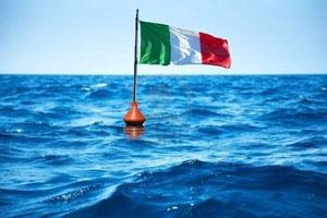 italia bandiera mare