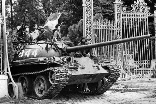 vietnam1975 tank