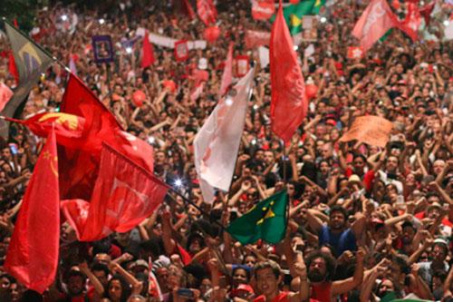 brasile folla controilgolpe