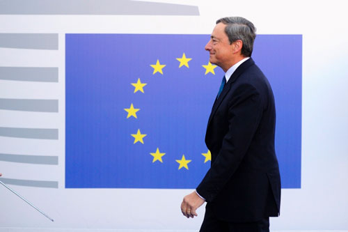 draghi euro bandiera