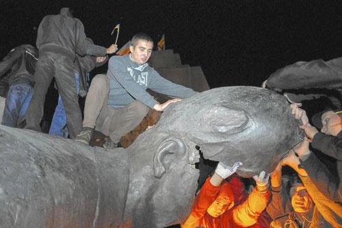ucraina statua lenin