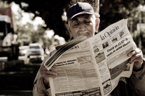newspaper reader Santa Cruz Argentina
