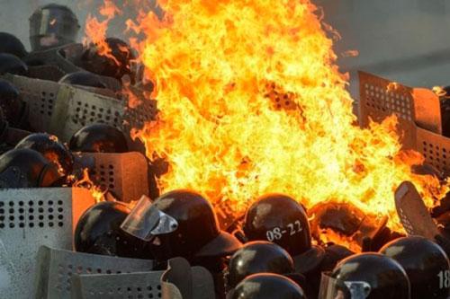 ucraina molotov polizia