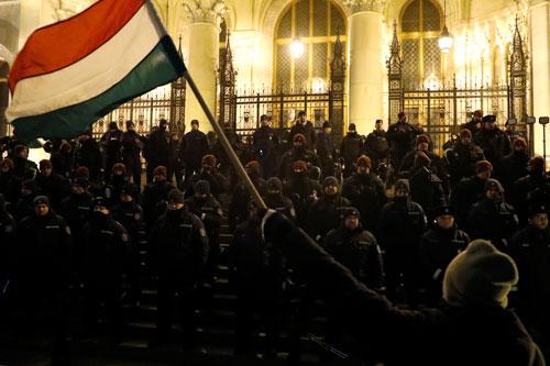 ungheria proteste leggeschiavitu