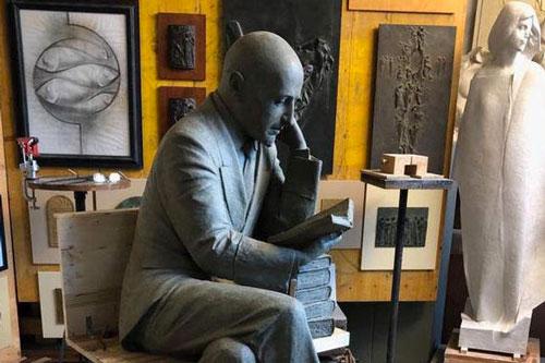 dannunzio statua libro